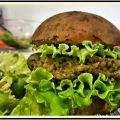HAMBURGER DI QUINOA E AVOCADO